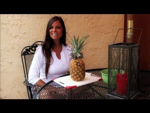 Diets & Weight Loss How to cut up a pineapple - Foods to lose weight 5